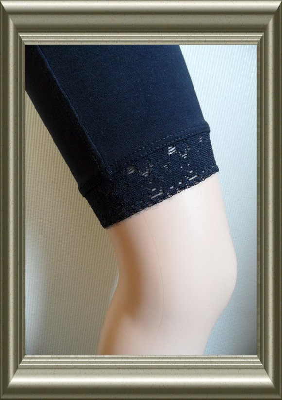 katoenen leggingbroekje donkerblauw met kant van YellowMoon